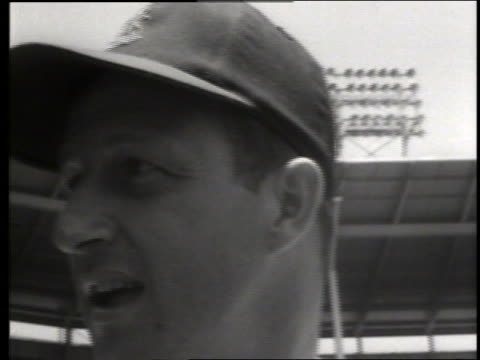 vidéos et rushes de b/w close up of stan musial / pro baseball / 22nd annual all star game / sound - casquette de baseball