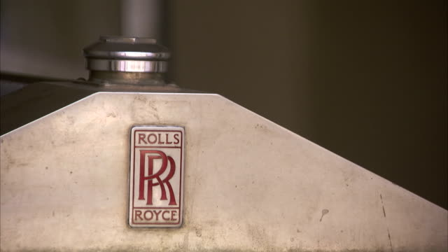 close up of the front of a classic car. - rolls royce stock videos & royalty-free footage
