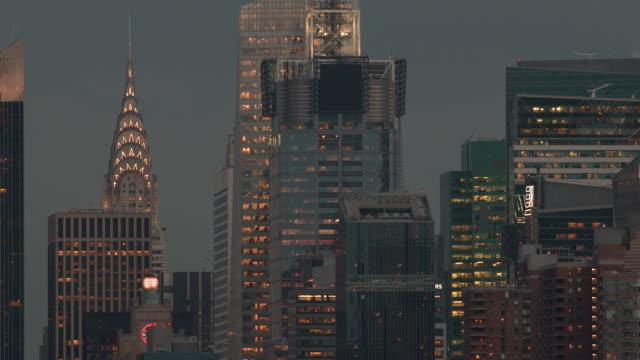 close up of the nyc skyline at dusk.  - inquadratura fissa video stock e b–roll
