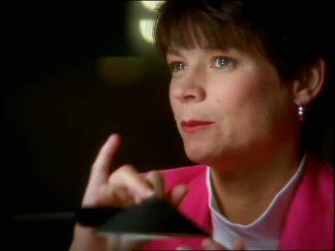 vídeos y material grabado en eventos de stock de close up of woman using sign language - sordera