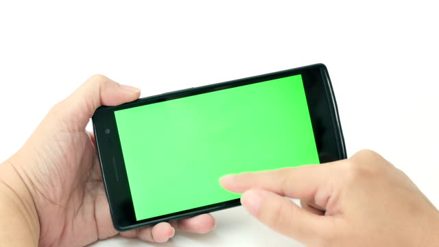 Nahaufnahme der Frau mit Smartphone, Green-screen