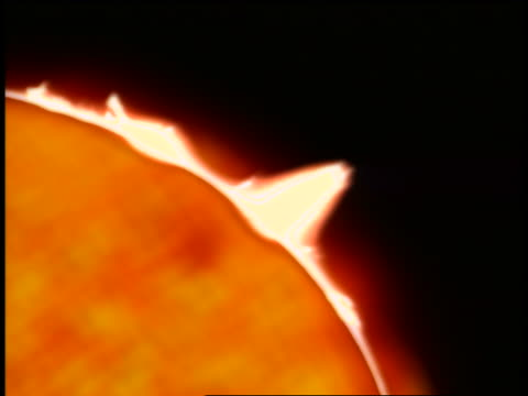 vídeos de stock, filmes e b-roll de cgi close up orange solar flare erupting from surface of sun - brilho solar