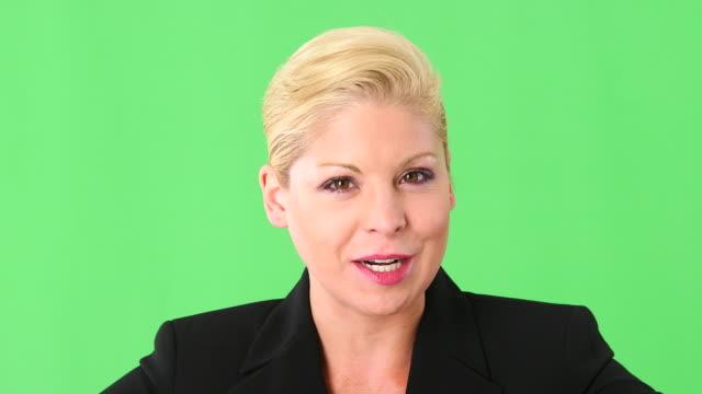 close up portrait of executive businesswoman talking - abbigliamento da lavoro formale video stock e b–roll