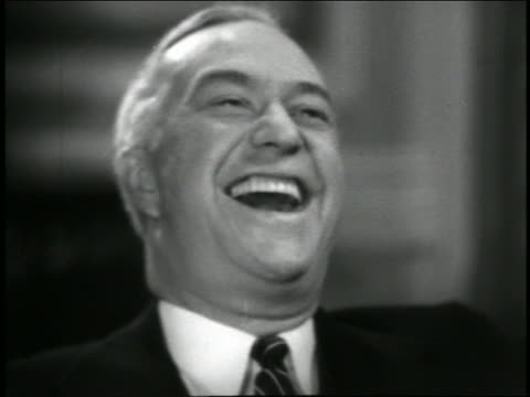 b/w 1944 close up senior man laughing + looking offscreen / feature - einzelner mann über 40 stock-videos und b-roll-filmmaterial