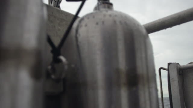 close up shot of air gas tank - bombola video stock e b–roll