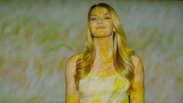 "vídeos de stock, filmes e b-roll de ""close up slow motion shot of nature projections on dancing woman / cedar hills, utah, united states"" - sem manga"