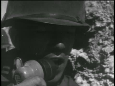 b/w 1955 close up soldier counting down into microphone during atomic testing / nevada / documentary - einzelner mann über 30 stock-videos und b-roll-filmmaterial