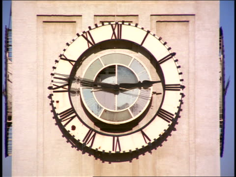 stockvideo's en b-roll-footage met close up time lapse clock on clock tower of ferry building / san francisco, ca - veerboothaven