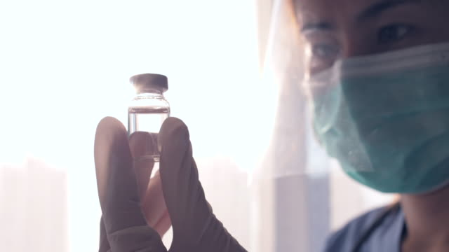 stockvideo's en b-roll-footage met close-up vaccin fles - rabiës