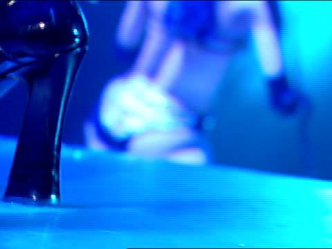 vídeos de stock, filmes e b-roll de close up - stripper