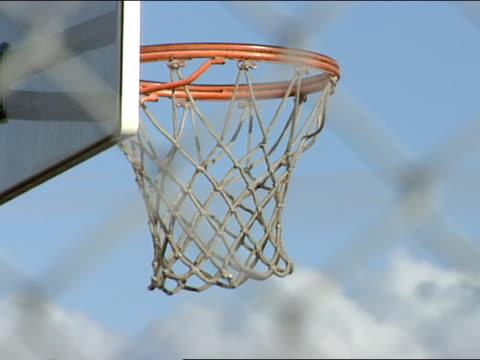vídeos y material grabado en eventos de stock de close up - canasta de baloncesto