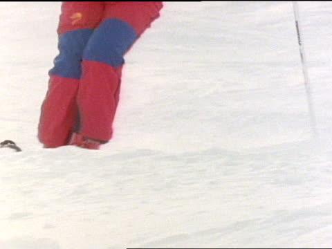 close up - freistil skifahren stock-videos und b-roll-filmmaterial