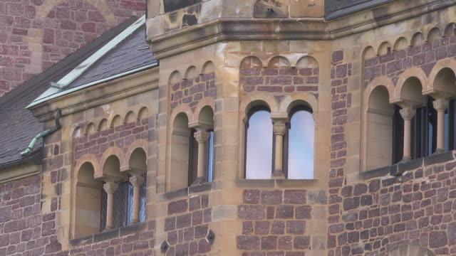 close up windows - side - of wartburg castle - 宗教的指導者 マルティン・ルター点の映像素材/bロール