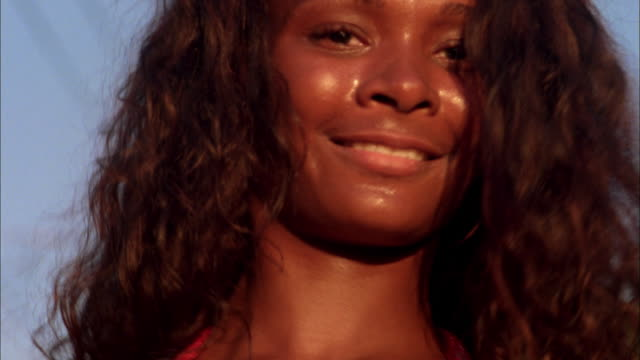 close up woman dancing to salsa music / rio de janeiro / brazil - belly button piercing stock videos & royalty-free footage