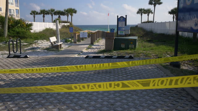 closed beaches in florida - シーグラス点の映像素材/bロール