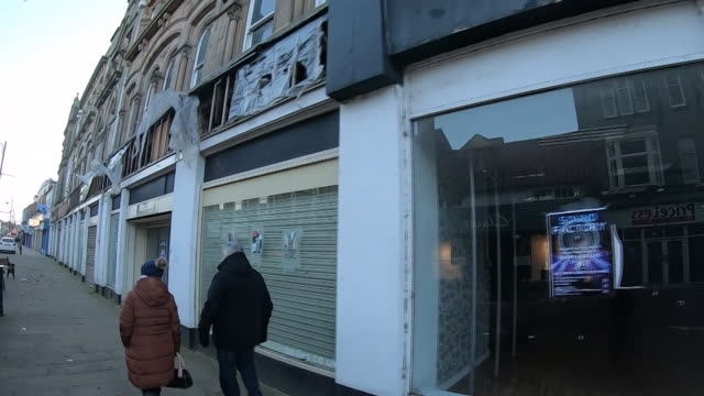 closed shops on a high street in bishop auckland - merchandise stock videos & royalty-free footage