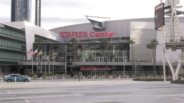 a closed staples center in major cities in the us adjust to restrictive coronavirus measures on march 15 2020 in los angeles united states - staples centre stock videos & royalty-free footage