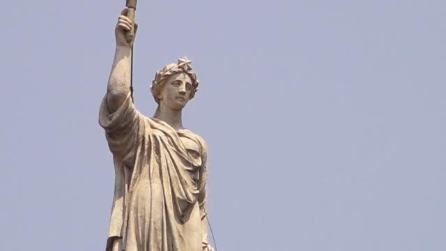 A closer view of an Indian figure statue