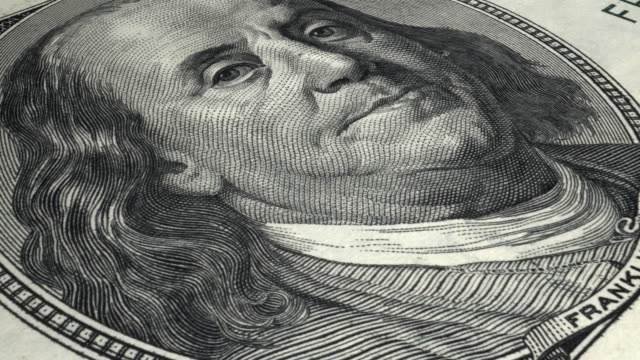 4k close-up 100 dollar note | loopable - benjamin franklin stock videos & royalty-free footage