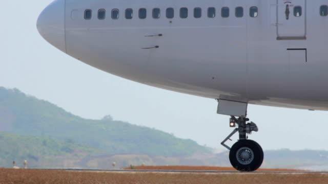 Close-up do avião Estacionar Avião, pronto para descolar.