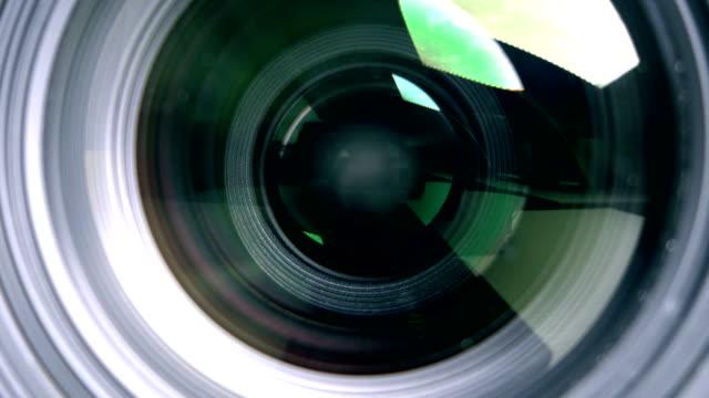 vidéos et rushes de les lentille close-up photographier - ouverture du diaphragme