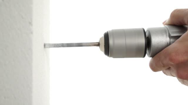 vídeos de stock e filmes b-roll de closeup drilling - broca