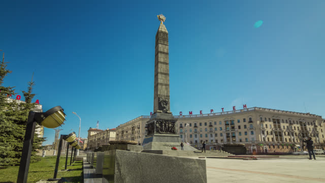close-up motorized time lapse of the victory square in minsk, belarus. - belarus stock videos & royalty-free footage