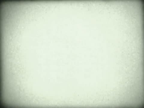 vídeos de stock, filmes e b-roll de close-up of a blank screen - superexposto