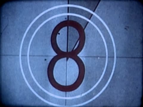 vídeos de stock, filmes e b-roll de close-up of a number countdown on a film leader - número 8