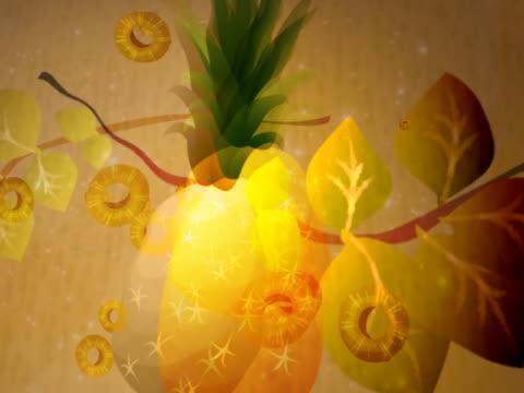 vídeos de stock e filmes b-roll de close-up of a pineapple slices moving around a pineapple - natureza morta