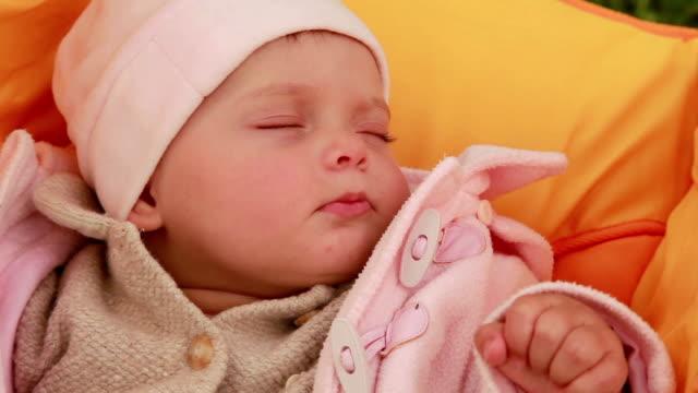 Close-up van een slapende baby