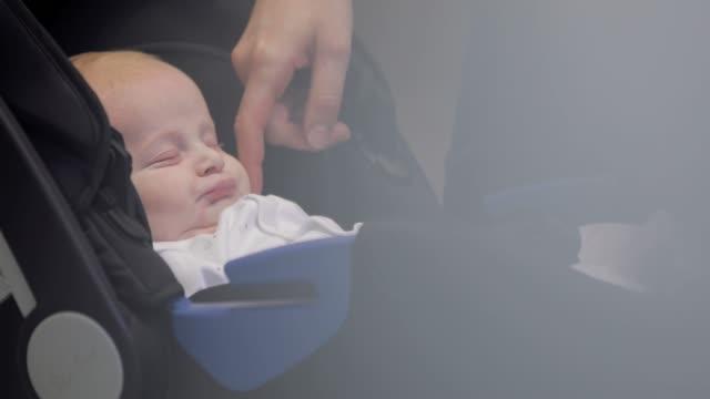 Nahaufnahme von Baby in Ärzte