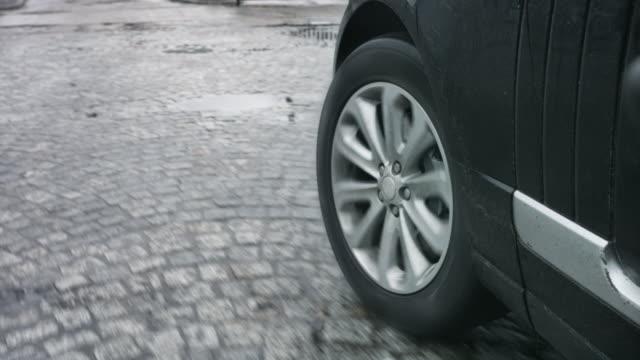 Nahaufnahme von Auto Rad gegen Roud