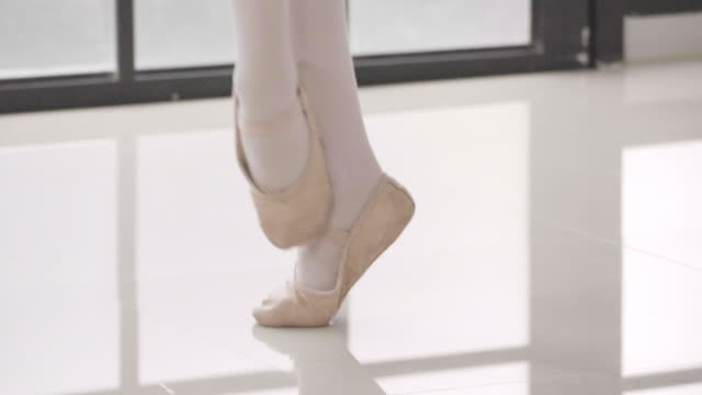close-up of children's legs in ballet dancers - ballet dancing stock videos & royalty-free footage