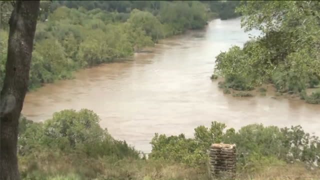 ktla closeup of colorado river after hurricane harvey near monument hill kreische brewery state - river colorado stock videos & royalty-free footage