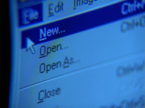 vídeos de stock e filmes b-roll de close-up of command menu on screen - ícone de seta