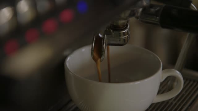 vidéos et rushes de close-up of mocha being prepared - vue partielle