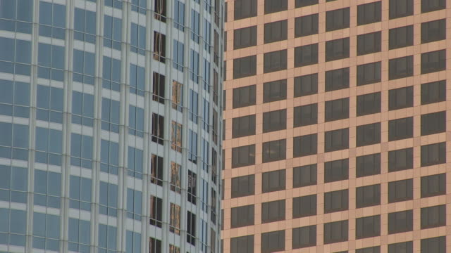 close-up of skyscrapers in los angeles united states - fensterfront stock-videos und b-roll-filmmaterial