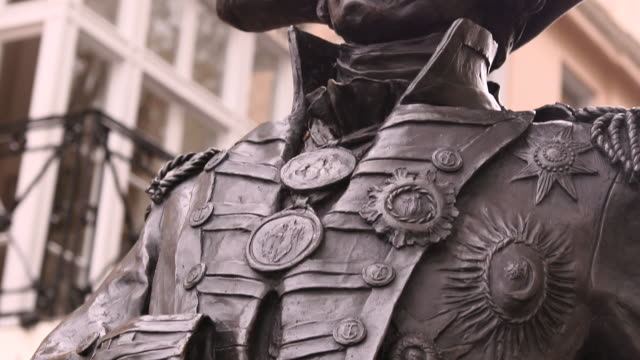 close-up of the admiral lord nelson statue by the trafalgar tavern pub in greenwich, london - admiral nelson stock videos and b-roll footage