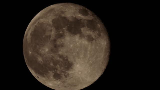 月のクローズアップ - 隕石孔点の映像素材/bロール