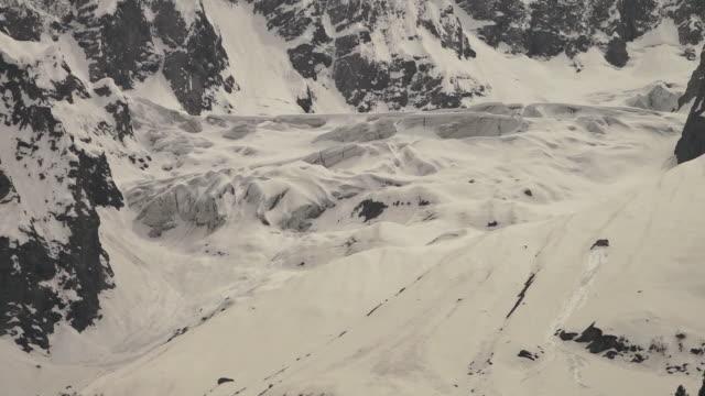 vidéos et rushes de close-up of thick glacier, ladakh, india - extreme close up