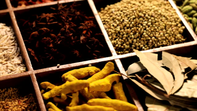 close-up of variety of indian spices - 香辛料点の映像素材/bロール