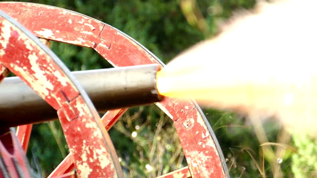close-up -  shot of an old cannon during the civil war in the united states (slow motion) - cannon stock videos & royalty-free footage