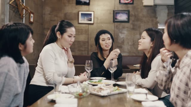 close-up shot of five young and mid adult women enjoying a meal at a restaurant - only japanese stock videos & royalty-free footage