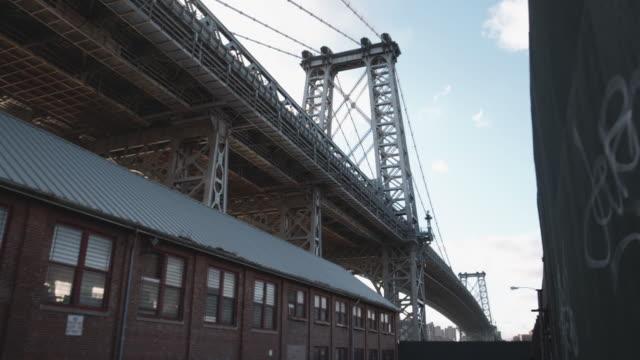 closeup shot of new york city's williamsburg bridge - brooklyn new york stock videos & royalty-free footage