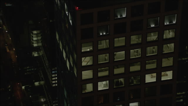 close-up shot of the 432 park avenue at night - heizung stock-videos und b-roll-filmmaterial