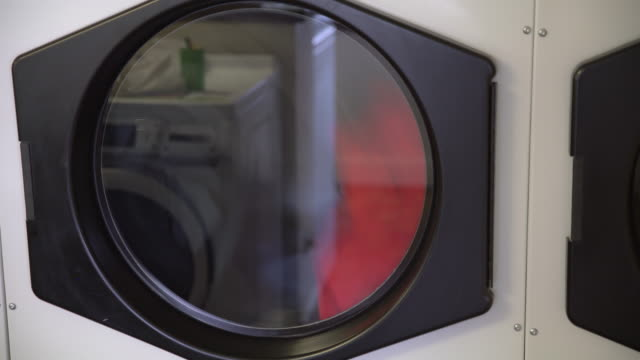 乾燥機に cu 服 - 衣類乾燥機点の映像素材/bロール