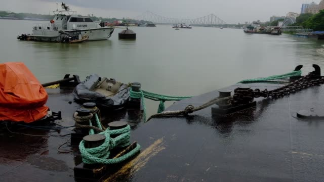 cloud covered up kolkata's skyline as super cyclonic storm amphan likely to hit west bengal, odisha and bangladesh on tuesday, may 19, 2020. dark... - hooghly river stock videos & royalty-free footage