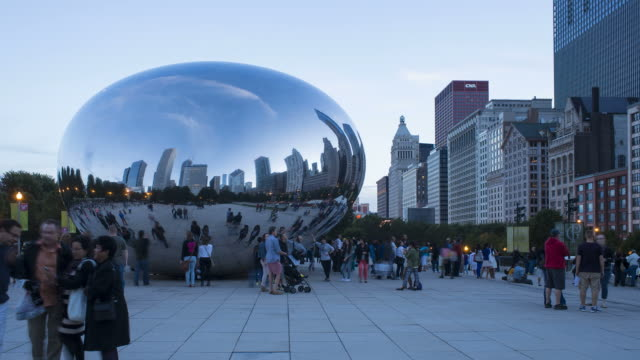 'Cloud Gate' or 'The Bean' in the Millennium Park, Chicago, Illinois, USA