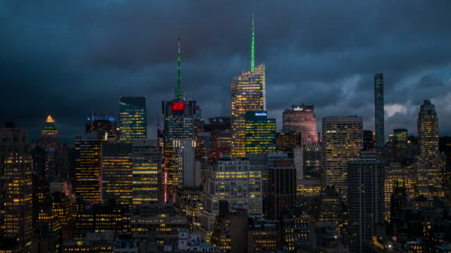 H&M Cloud Manhattan Time-lapse